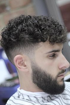 Curly Bowl Cut ★ Embrace your tight curls with the best curly hairstyles for men with all hair colors, from blond to black. Complement these extremely popular haircuts for the locks of long, short and medium lengths with a fade, bangs or undercut. Men Haircut Curly Hair, Tight Curly Hair, Male Haircuts Curly, Curly Hair Cuts, Cool Haircuts, Haircuts For Men, Tight Curls, Popular Haircuts, Black Hairstyles Crochet