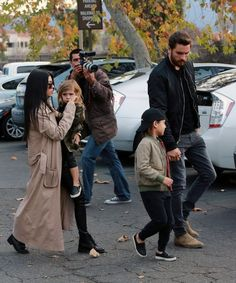 Kourtney Kardashian Photos - Kourtney Kardashian And Scott Disick Take Their Kids To The Movies - Zimbio
