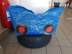 DIY_ Voiture avec sac Ikea Baby Gym, Monster Trucks, Parenting, Crafts, Real Simple, Children, Bebe, Manualidades, Handmade Crafts