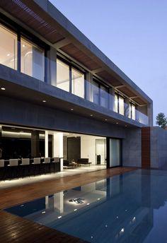 Inspiring Modern Home in Israel: Herzelia Pituah House - http://freshome.com/2011/05/03/inspiring-modern-home-in-israel-herzelia-pituah-house/