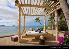 Exotic Wooden Beach Bed