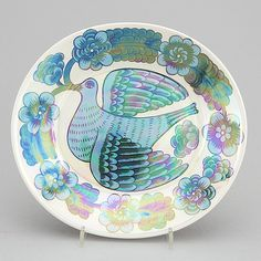 Birger Kaipiainen | PARATIISILINTU | Pottery Sculpture, Pottery Vase, Ceramic Plates, Decorative Plates, Wooden Bird, Bird Design, Fine Porcelain, Animal Paintings, My Favorite Color