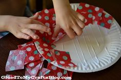 Paper Plate Ornament {Kid Craft}