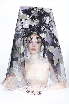 Galleries of haute couture and ready to wear hat collections and handbags. Philip Treacy, Kitty Spencer, Abigail Spencer, Charlotte Riley, Princess Charlotte, Victorian Fashion, Gothic Fashion, Fashion Fashion, Alexander Mcqueen