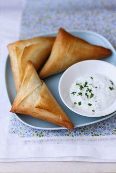 - VANIGLIA - storie di cucina: Triangolini di pasta fillo con zucchine, caprino e mentuccia