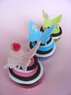Butterfly cupcakes for Biva Rani Sukanta Small Cupcakes, Fancy Cupcakes, Baking Cupcakes, Yummy Cupcakes, Cupcake Cookies, Neon Cupcakes, Butterfly Cupcakes, Cupcake Heaven, Beautiful Cupcakes