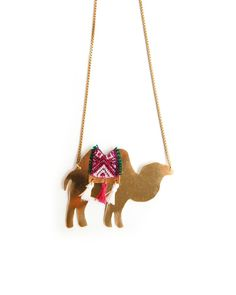 camel necklace <3