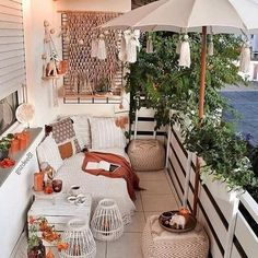 Turn a small terrace into bohemian spot with help of white umbrella along hangin. - Turn a small terrace into bohemian spot with help of white umbrella along hanging tassels! Nearest - Small Balcony Decor, Small Terrace, Small Patio, Small Balconies, Pergola Design, Balcony Design, Patio Design, Apartment Balcony Decorating, Apartment Balconies