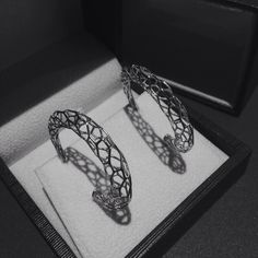 Loving the new HALO Hive hoop #Earrings. Available now at danielchristiantang.com #jewlery #silver #luxury #3D #3Dprinted #jewelrydesign #Toronto #canada