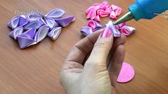 Watch the video «DIY Kanzashi Flower - Tutorial _ Djuce Julia» uploaded by Asanka on Dailymotion.