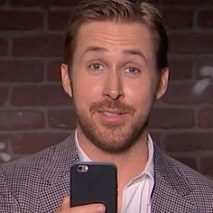 Zac Efron, Ryan Gosling, Chris Evans, More Star In Newest Edition of 'Mean Tweets' (VIDEO) #Entertainment #News