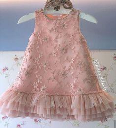 Little Girl Gowns, Gowns For Girls, Frocks For Girls, Girls Dresses, Kids Dress Wear, Fancy Dress For Kids, Kids Gown, Baby Dress Design, Baby Girl Dress Patterns