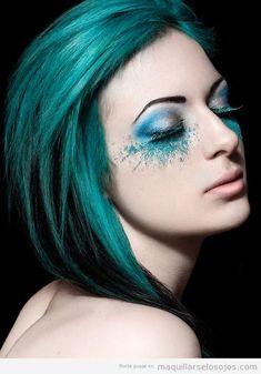 Maquillaje de ojos en verde turquesa, fantasía