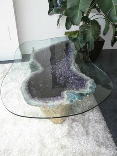 Amazing amethyst geode table - Fox Home Design Amethyst Geode, Purple Amethyst, Bohemian House, Home And Deco, My New Room, Dining Room Table, My Dream Home, Sweet Home, Home And Garden