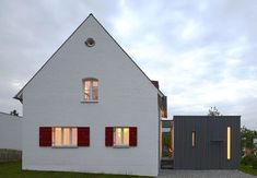 Zwischen-Raum Exterior Design, Interior And Exterior, Building Extension, Built In Furniture, House Extensions, Wooden House, House Front, New Construction, Home Deco