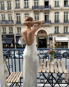 Classy Aesthetic, Beige Aesthetic, Travel Aesthetic, Foto Glamour, A Day In Paris, Nyc Life, European Summer, Mademoiselle, Street Style