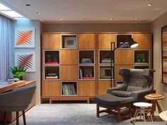 Confira no blog ideias para seu um cantinho de leitura em casa.    cantinho de leitura, poltrona, Casa Casada, estante, livros