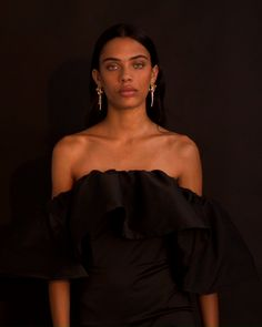 Let us guide into the darkness. Because black really suits you. Get ready for Friday Jewelry Photography, Creative Photography, Portrait Photography, Fashion Photography, Fashion Advertising, Fashion Videos, Grunge Hair, Models, Ideias Fashion