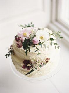 Late Winter Wedding Inspiration | Photos by Sarah Hannam
