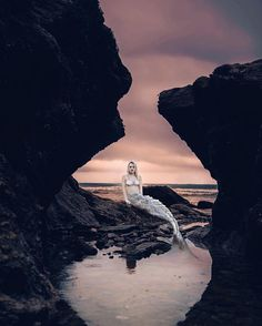 So in love with @lau.bailey 's third year photography final project about mermaids