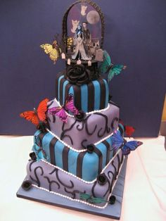 Tim Burton themed cake by French Wedding Cakes