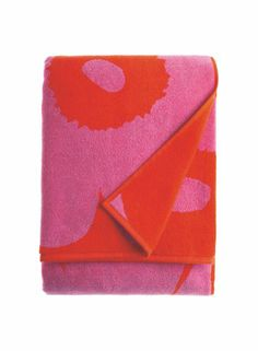 Marimekko Unikko Pink and Red Bath Towel Marimekko, Crate And Barrel, Bath Towels, Red And Pink, Drink Sleeves, Crates, Organic Cotton, Prints, Design