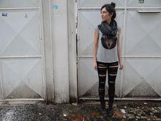 Legging destroyed + gola tricot + blusa lobo - Garimppo nas ruas