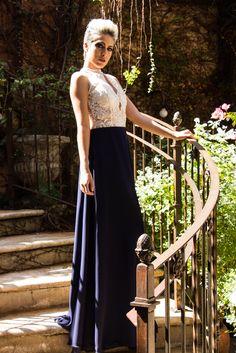 Vestido fluido, renda com allure, azul marinho e branco. www.farthingale.com.br