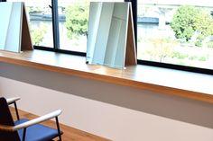 【大阪市 美容室 Three 様】 大阪市・北浜の美容院「Three」様へ、「yu-iron chair」×4脚を納品させていただきました。 #美容室の椅子 #おしゃれな椅子 #アイアンチェア #京都 #日本製  #chair #furniture #japan #kyoto #北欧インテリア #おしゃれなインテリア #おしゃれなチェア #おしゃれな家具 #つくりのいいもの #アイアン椅子 #美容院の椅子 #アイアン家具 #カットサロン家具  #北浜Three Windows, Window, Ramen