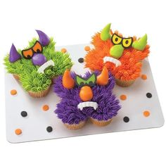Monster Treats, Monster Cupcakes, Monster Party, Ladybug Cupcakes, Kitty Cupcakes, Snowman Cupcakes, Mini Monster, Monster Mash, Pull Apart Cupcake Cake