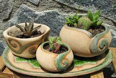Výsledek obrázku pro pottery ideas for beginners Pottery Pots, Ceramic Pottery, Pottery Ideas, Beginner Pottery, Sempervivum, Pottery Supplies, Pottery Techniques, Pottery Sculpture, Ceramic Planters