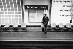 Paris subway stations illustrated