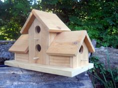Diy bird house & bird feeder plans that will make your garden perfect 36 Bird Feeder Plans, Bird House Feeder, Bird Feeders, Bird House Plans, Bird House Kits, Wood Projects, Woodworking Projects, Woodworking Jointer, Woodworking Machinery