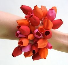 SEMI on Behance. Red and orange bracelet by Maria Brossa. Plastic Jewelry, Recycled Jewelry, Paper Jewelry, Jewelry Art, Gold Jewellery, Textiles, Mixed Media Jewelry, Body Adornment, Contemporary Jewellery
