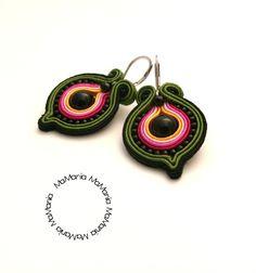Soutache Jewelry, Beaded Jewelry, Textile Jewelry, Shibori, Earrings Handmade, Jewerly, Diy And Crafts, Crochet Earrings, Embroidery