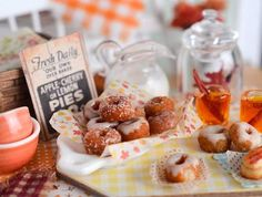 Fall food in miniature! Apple cider and donuts #minifood