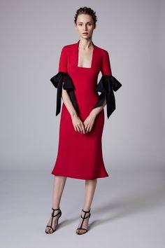 Reem Acra Resort 2018 Fashion Show Collection Fashion 2018, Fashion Over, Love Fashion, High Fashion, Womens Fashion, Fashion Design, International Fashion, Fashion Details, Runway Fashion