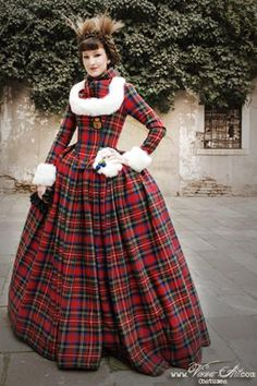 queen of scots - courtgown made of wool tartan and faux-fur. TARTAN!!! (viona art - http://viona-art.com/pages/frameset01/setmenu.html)