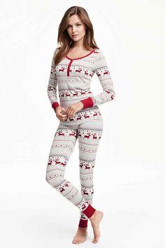 Pyjamas in jersey. Long-sleeved top with ribbed cuffs. Leggings with an elasticated waist and ribbed hems. Cute Sleepwear, Loungewear, Long Sleeve Pyjamas, Long Sleeve Tops, H&m Lingerie, Cuddle Duds, Pijamas Women, Holiday Pajamas, Cute Pajamas