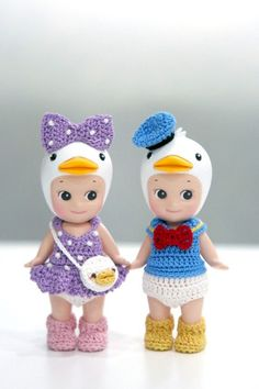 ★ 디즈니 동산 ★ 미키미니 코스튬 의상과 함께 -모여라 디즈니 동산 ~ ㅎㅎ 예전에 미키미니 의상 만들면... Crochet Doll Clothes, Crochet Dolls, Crochet Hats, Kewpie Doll, Sonny Angel, Doll Closet, Bisque Doll, Diy For Kids, Chelsea