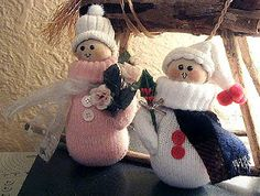 Snowpeople from children's mittens~~~a cute craft with tutorial.