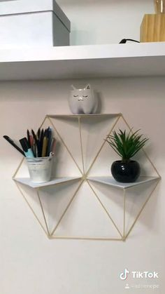 Diy Room Decor Videos, Diy Room Decor For Teens, Diy Crafts For Home Decor, Fun Diy Crafts, Diy Wall Art, Diy Wall Decor, Diy Bedroom Decor, Diy Décoration, Diy Interior