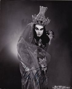 Lucia Popp (Lucia Poppová 1939 – 1993) Slovak soprano. Her professional debut as the Queen of the Night in Mozart's The Magic Flute in Bratislava   https://www.youtube.com/watch?v=pDUyA-fVie8
