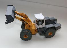 [New Paper Craft] Liebherr L586 Wheel Loader Free Construction Vehicle Paper Model Download at PaperCraftSquare.com | Papercraftsquare - free papercraft download
