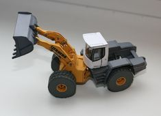 Liebherr L586 Wheel Loader Free Construction Vehicle Paper Model Download