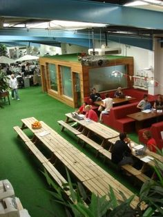 Smoothie company Innocent's office (Fruit Towers) is filled with astro-turf and its very own beer garden. Dream Gym, Cool Office Space, Community Space, Astro Turf, Roomspiration, Beer Garden, Cafe Design, Working Area, Office Interiors