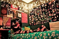 lots of pictures and lights