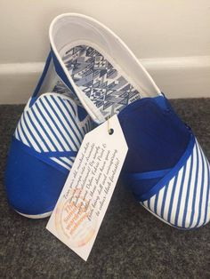 Turn your old, marked white canvas pumps into a dramatic fashion statement! By simply using some Dylon Fabric Paint & ribbon, these shoes have gone from being dull and uninspiring to colour-block fantastic! #shoes #dylon #blue #paint #upcycle #diy #fashion #colourblock #colour
