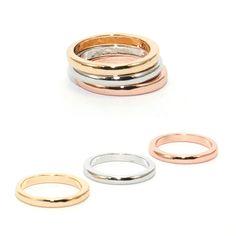 ANILLO TRIADA LISO. Anillo formado por tres piezas de color plata, dorado y oro rosa liso. PRECIO: 3€ Disponible en: www.deplanoodetacon.com