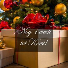 Nog maar een week tot Kerst! Is uw kantoor ook al helemaal in de kerstsfeer?!   #kerst #ambius #christmas #presents #kerstbomen #kerstdecoratie #sfeerbeleving Christmas Inspiration, Gift Wrapping, Gifts, Paper Wrapping, Presents, Wrapping Gifts, Favors, Gift Packaging, Gift